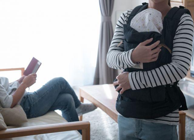 「産後2週間、妻への夫のサポートが大事」と指摘した小室さん