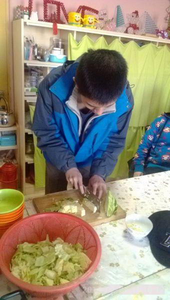 中国の障害者福祉施設の子供たち