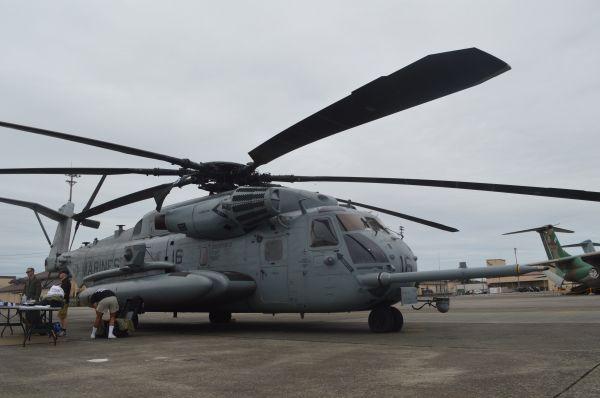 米海兵隊の輸送ヘリCH53E