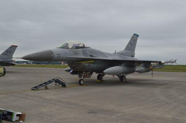 米空軍の戦闘機F16