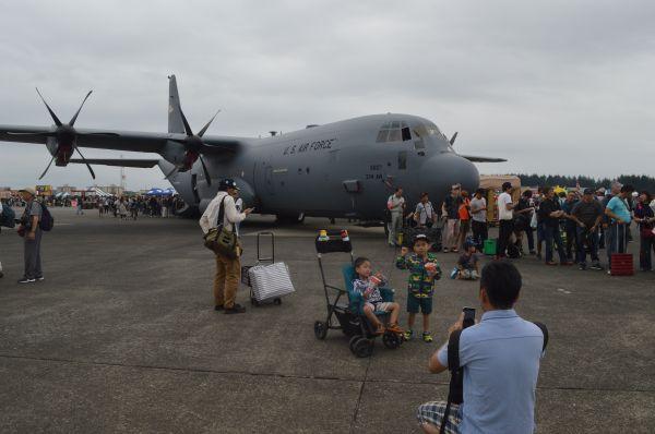 米空軍の輸送機C130J