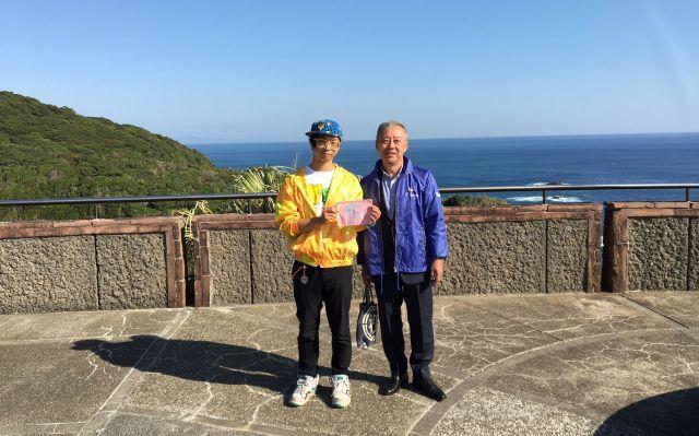 吉村政朗さん(右)と私