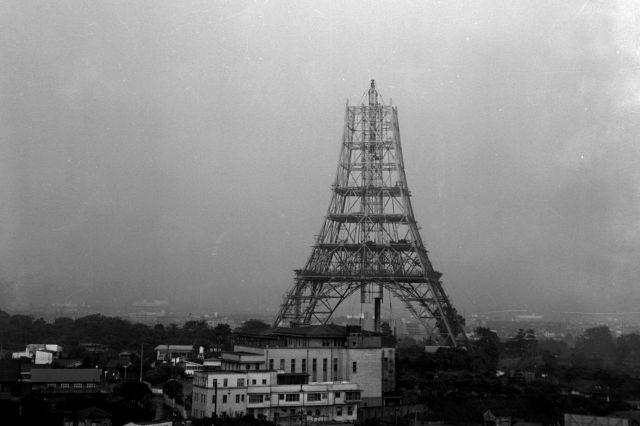 建設中の東京タワー=1958年6月1日