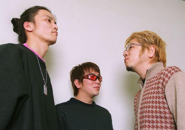 デビュー当時、2002年に撮影された「KICK THE CAN CREW」の3人。武道館、紅白と一気にメジャーに……