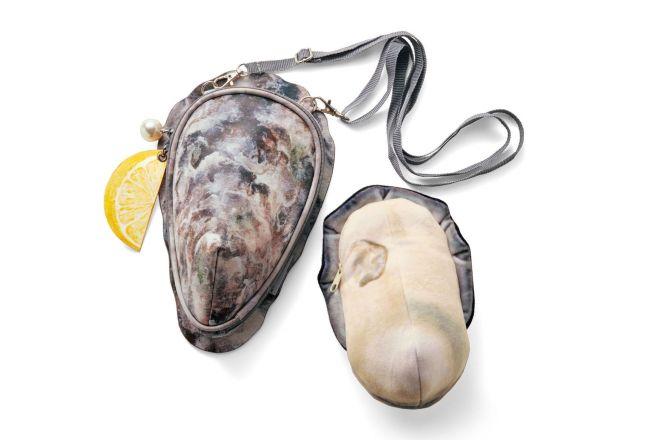 「牡蠣のポーチ付きショルダーバッグ」(税抜き3700円)