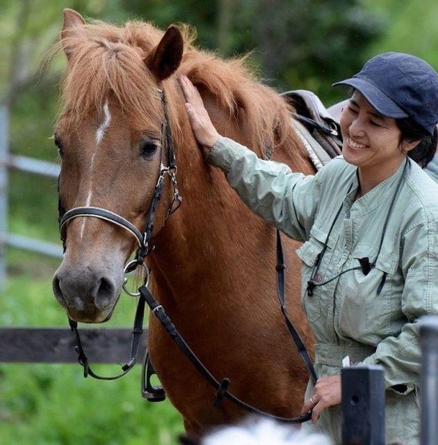 台風被害を受けた南房総半島にある馬森牧場が発信した「馬好きさん急募」に、全国のボランティア未経験者がSNSに反応した