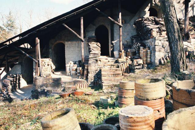 愛知県瀬戸市のかつて繁栄を支えた登り窯=1998年