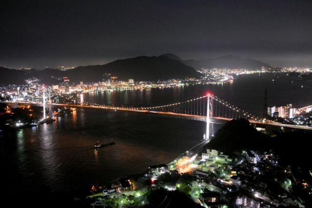 関門海峡の夜景=下関市