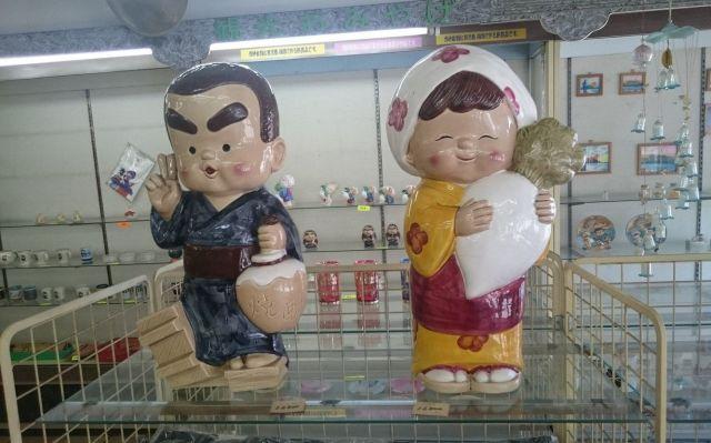 指宿駅前の土産店にあった西郷隆盛の置き物