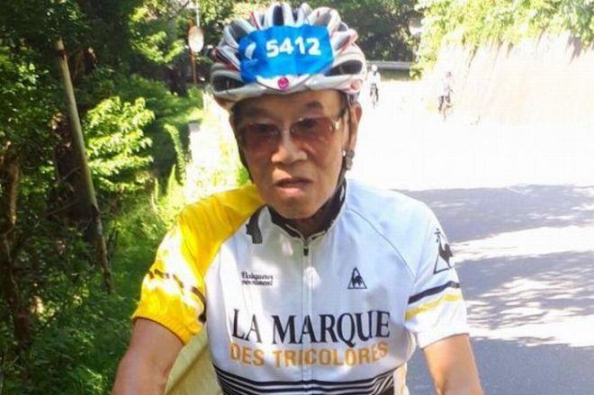 「ツール・ド・東北」参加者最高齢の伊東隆さん。65キロのコースに挑んだ=宮城県石巻市