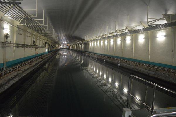 「大水槽」。長さ247m、幅12.5m、深さ7m