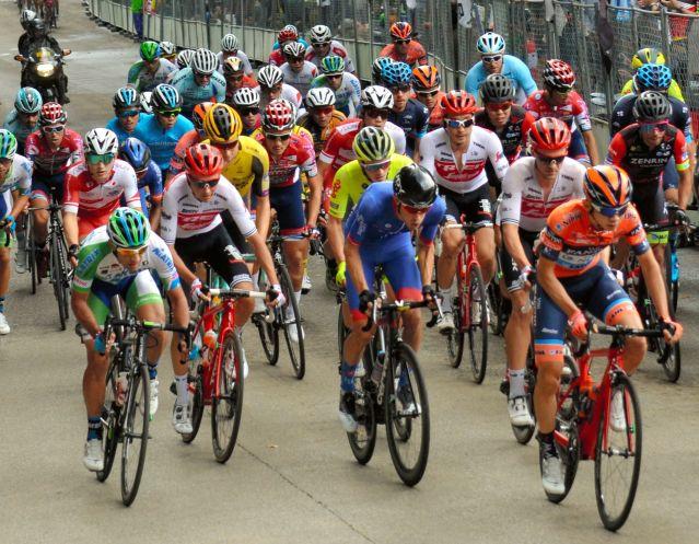 10月20日に行われた国際大会「ジャパンカップ・サイクルロードレース」の様子=宇都宮市