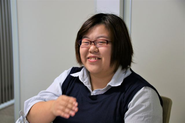 発達障害があることで、生きづらさを感じてきたという金子美咲さん