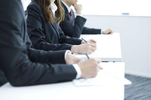 男性が定着できるよう、女性はスタッフを集め、職場全体の研修会を開いた(画像はイメージ)