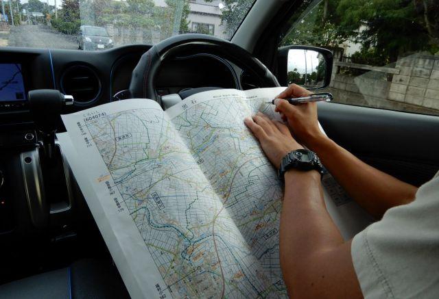 作業が終わるごとに、住宅地図に設置箇所をマッピングする