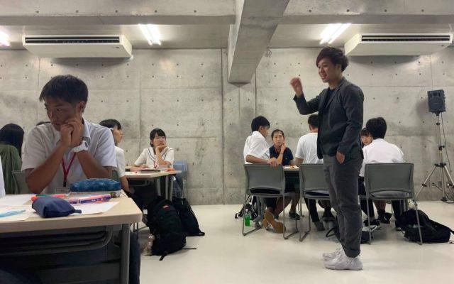 学校での授業の様子=吉川さん提供