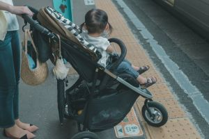 ベビーカーの不安、東京メトロが考えた奇策...