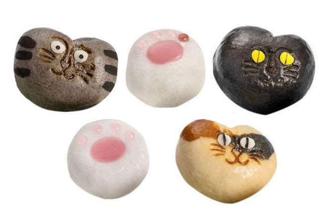 ラインナップは猫7種類と肉球2種類(写真は黒猫が重複しているので10個になっています)