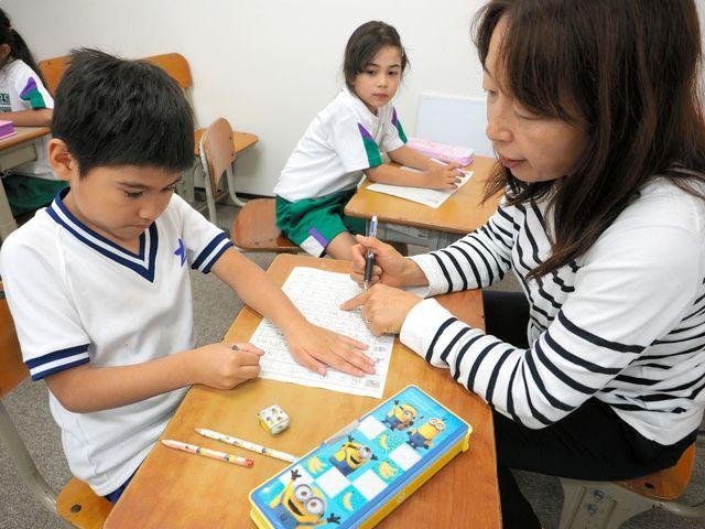 愛知県豊川市では外国人の子どもたちのために無料の日本語教室「こぎつね教室」を作りました=前川浩之撮影