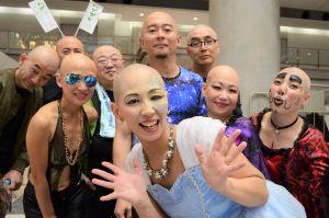 「ハゲ」20人で踊ったら「自分を楽しめた」 脱毛症の女性が企画