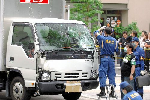 犯行に使われたトラック=2008年6月8日、東京都千代田区外神田、筋野健太撮影