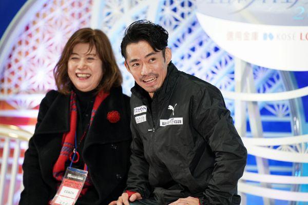 高橋大輔と長光歌子コーチ(左)=12月20日