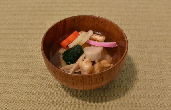三重県多気町のお雑煮。角餅ですまし