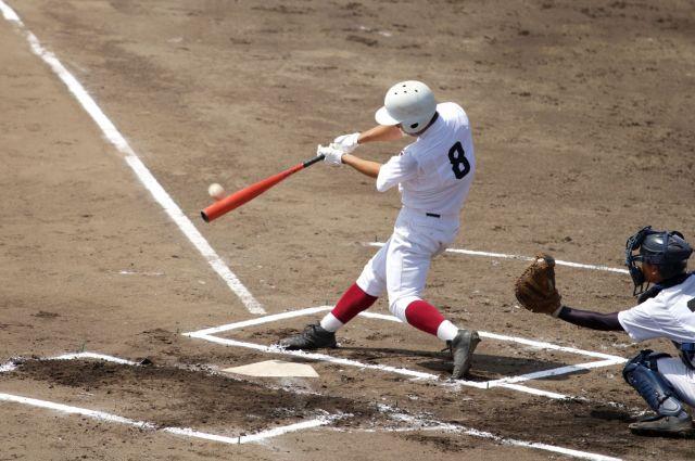左利きの選手は、独特のプレースタイルで球場を盛り上げることも(画像はイメージ)