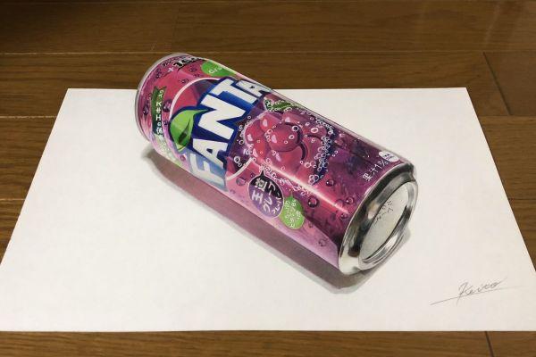 紙の上に色鉛筆で描いたファンタ缶