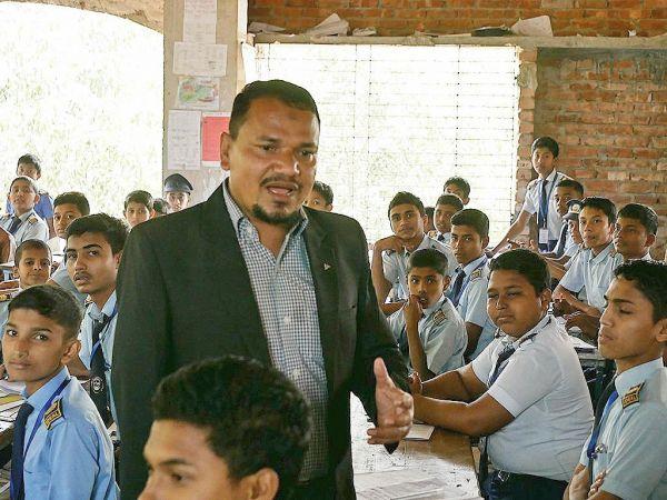 バングラデシュ南東部・コックスバザールにある学校では「ありがとうございます」という日本語が響く=2019年