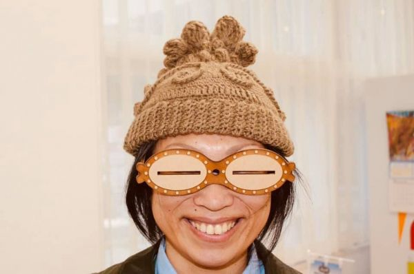 これが「遮光器土偶ニット帽」。眼鏡は別売りです