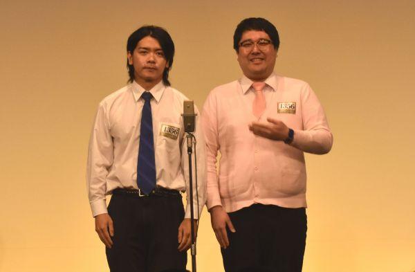 マヂカルラブリーの野田クリスタルさん(左)と村上さん=2019年