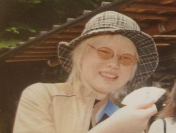小学校高学年の遠足のときに撮影した一枚。「ふつう」でないことに心が張り詰めていた