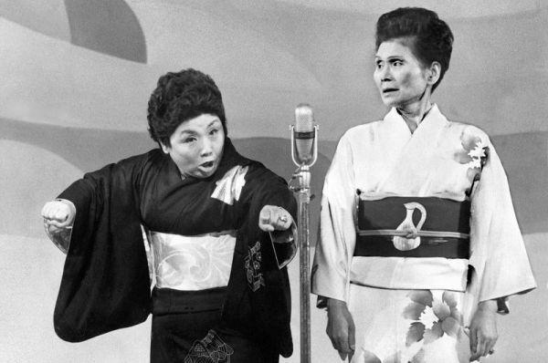 1933年に結成した海原お浜・小浜。女性コンビで初めてしゃべくり漫才を披露したと言われている