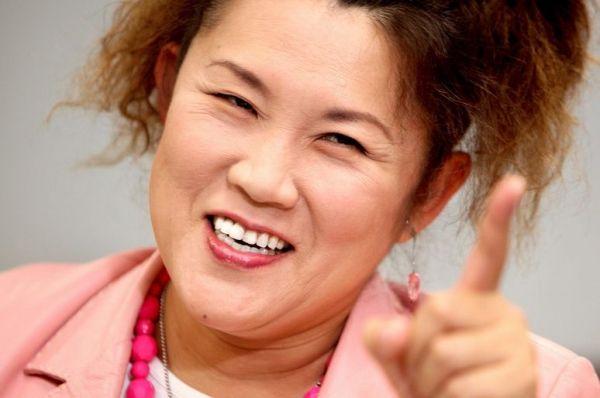 女性芸人として突出した成功をおさめた山田邦子=2009年10月16日
