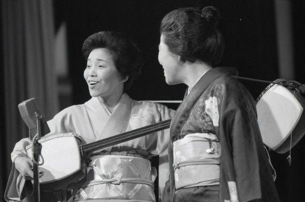 1950年代に結成された、内海桂子・好江