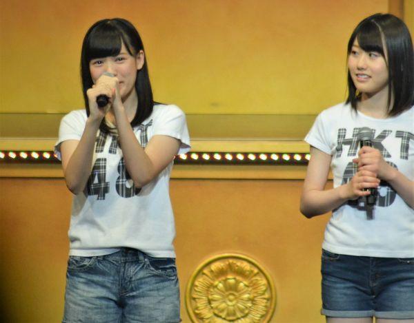HKT48の4期生が紹介された全国ツアーの広島公演でステージに立つ運上弘菜さん=2016年7月