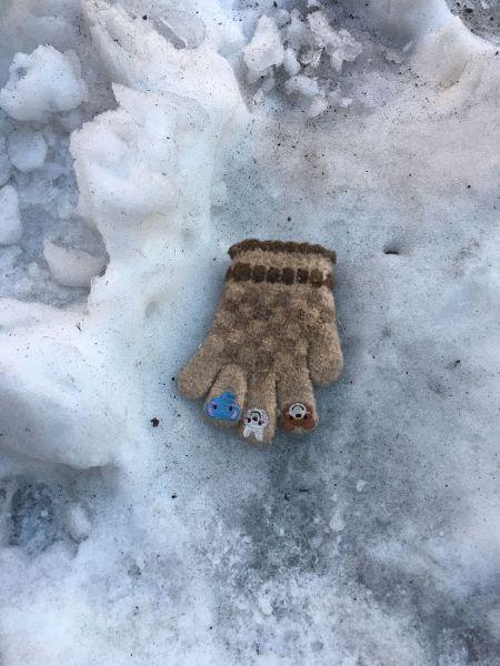 子ども用の片手袋も
