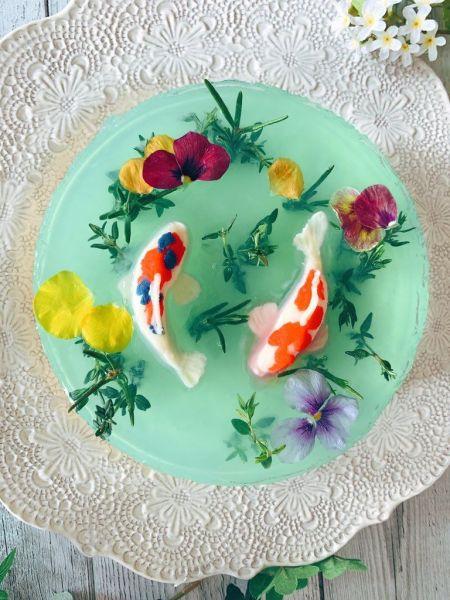 幻想的な「モネの池」のチーズケーキ