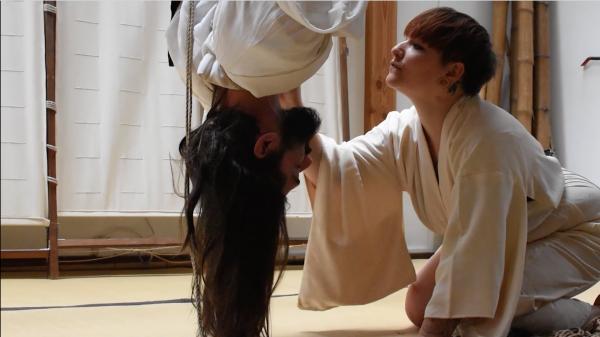 フランス人留学生Eさんが撮影した「フランスの縄師」を追ったドキュメンタリー。