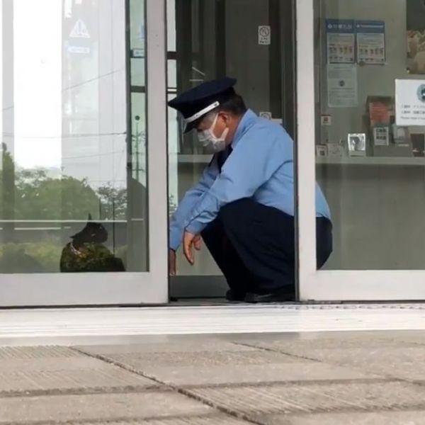 その先で待っていたのは顔なじみの警備員・馬屋原定雄さんでした