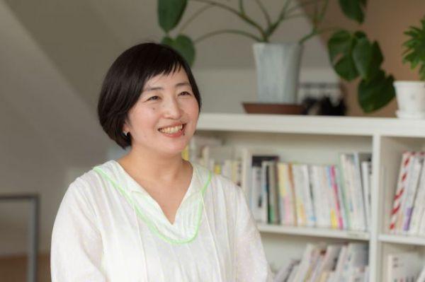 「北欧、暮らしの道具店」を運営するクラシコムで、2016年から編集スタッフを務める寿山さん