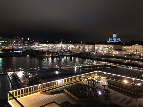 ヘルシンキ市内の夜景