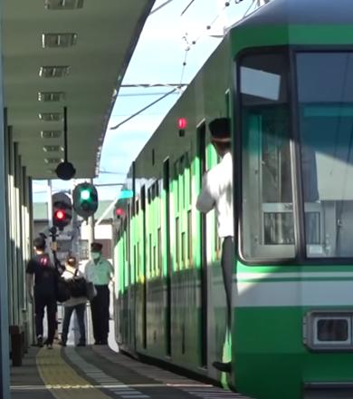 遠鉄電車の運転士と車掌さんの連携動作