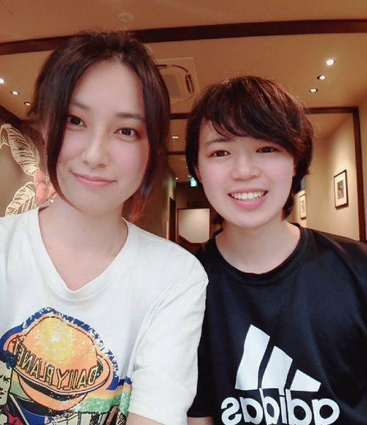 ADHDの夫・光さん(右)とASDの妻・弥加さん