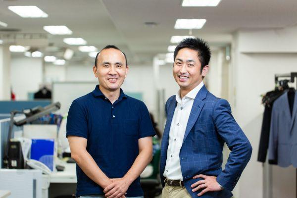 編集長の武政秀明さん(右)と副編集長の井下健悟さん