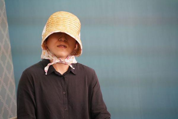 麦わら帽子を手放さない後藤輝樹さん