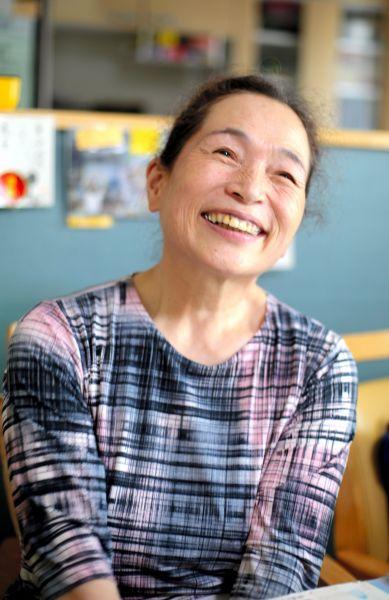 震災直後の診療所の様子を振り返る今野千代さん=2020年7月、福島市、三浦英之撮影
