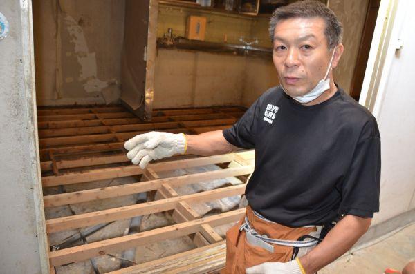 3代続く漬けもの屋の永尾禎規さん。「親父はここで亡くなった。助けられなかった」