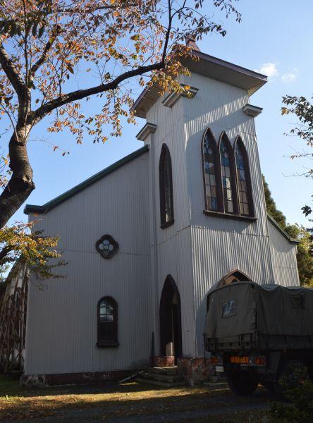 八戸駐屯地にその教会の建物が残る。今は倉庫として使われ、雨漏りがするという